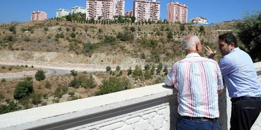 Başkan Eroğlu, toplu konut alanını inceledi