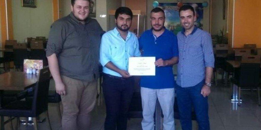 AK Parti Eskişehir Gençlik Kollarından esnafa teşekkür ziyaretleri