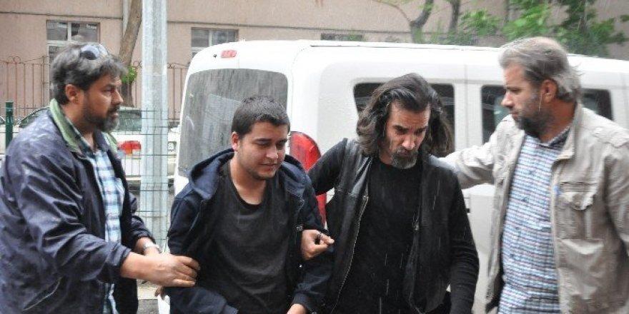 Yılın doktorunu bıçaklayan sanığa 3 yıl 9 ay hapis