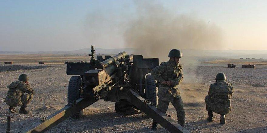 Cerablus ve civarındaki terörist hedefler obüslerle vuruldu