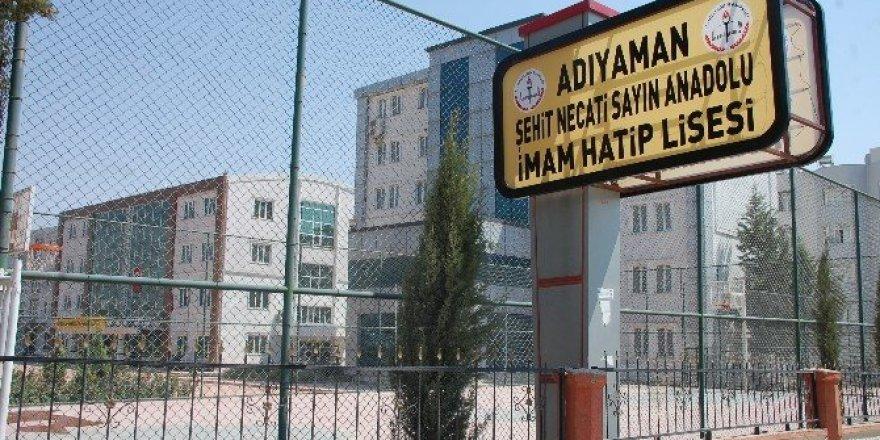 Adıyaman'da FETÖ'nün okullarına şehitlerin ismi verildi
