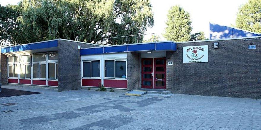 Hollanda'da aileler FETÖ okullarından çocuklarını alıyor