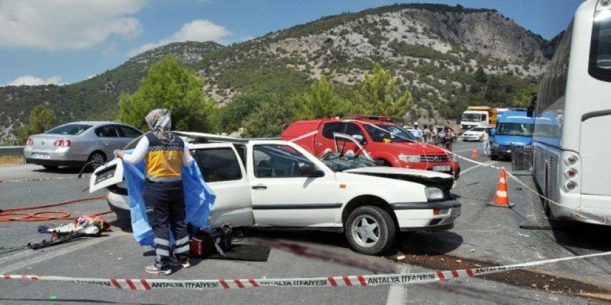 Feci kaza: Anne ve 1 yaşındaki oğlu öldü