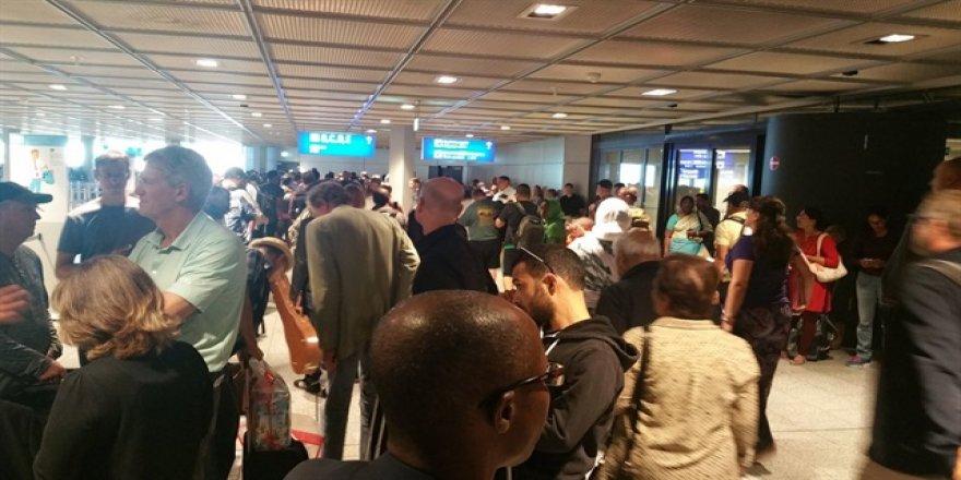 Frankfurt havalimanı güvenlik nedeni ile boşaltıldı