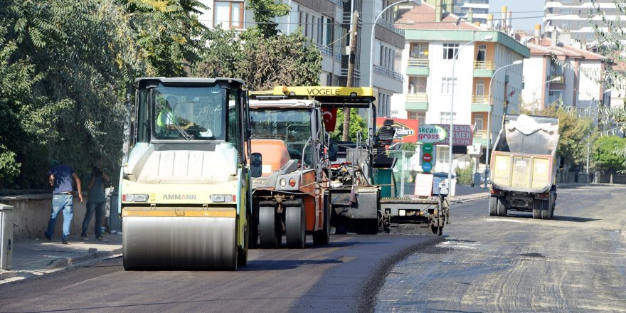 Meram'da asfalt serimi çalışmaları sürüyor