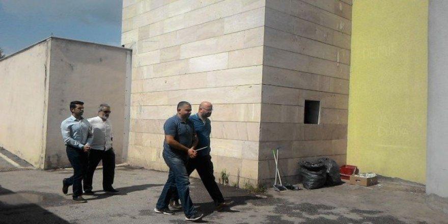 Sakarya'da şube müdürü ve komiser yardımcısı adliyeye sevk edildi