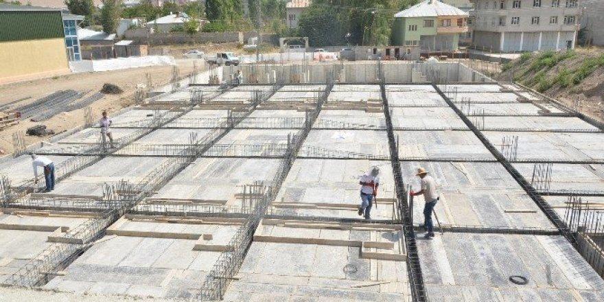 Erciş Belediyesi'nden Peynirciler Çarşısı yapımı