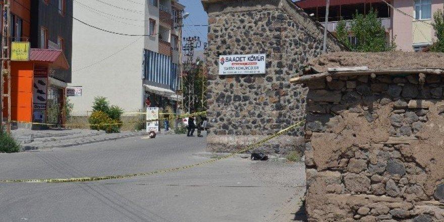 Varto'da şüpheli çanta alarmı