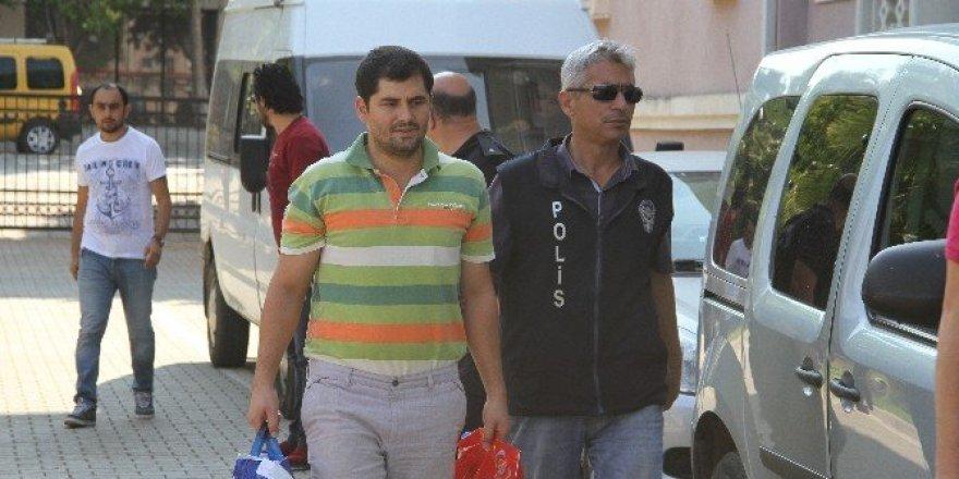 Fethiye'de FETÖ şüphelisi 5 kişiden 3'ü tutuklandı