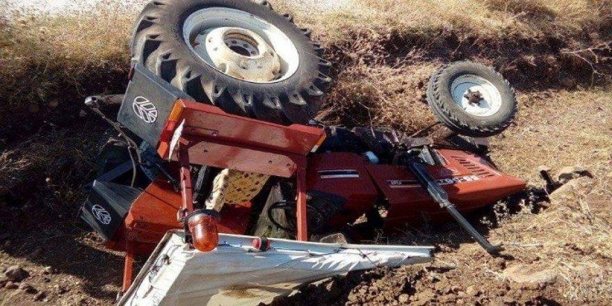 Devrilen traktörün altında kalan çocuk hayatını kaybetti