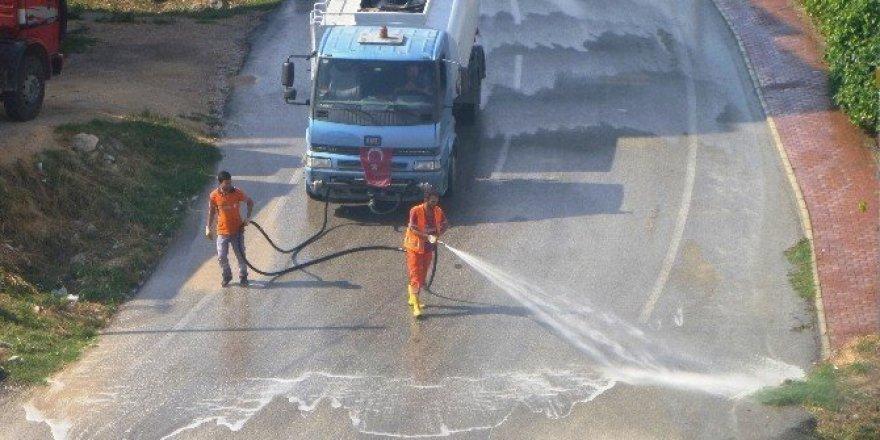 Bilecik'te işlek cadde ve sokaklar yıkanıyor