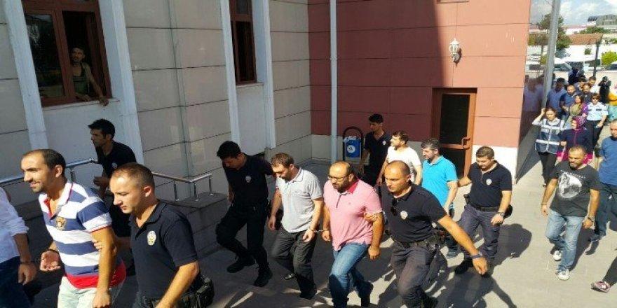 Düzce'de FETÖ soruşturmasında 12 kişi adliyeye sevk edildi