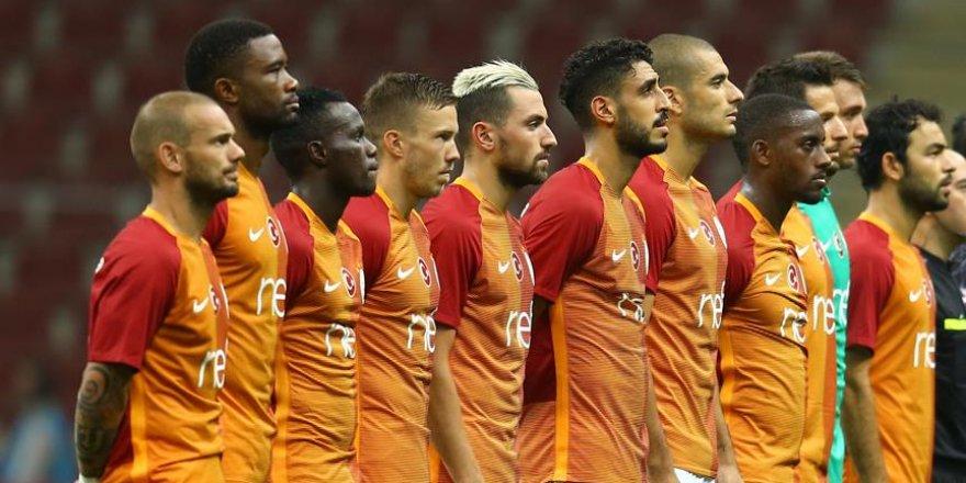 Galatasaray'da 16 oyuncu gitti