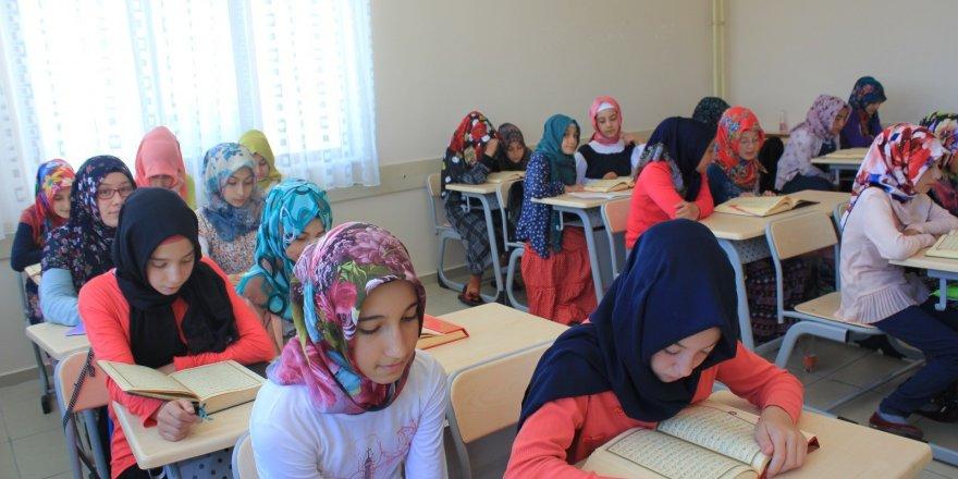 Ribat Yaz okulları sona erdi