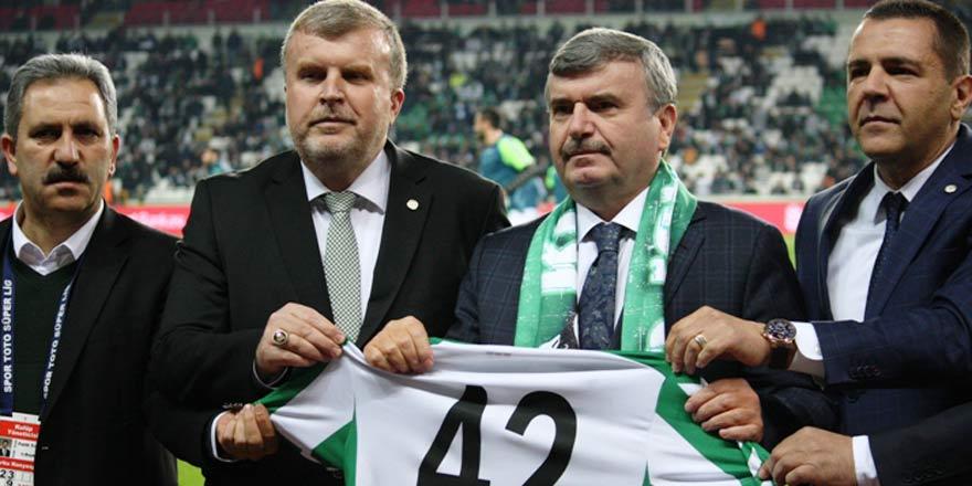 """""""Konyaspor yönetimi çok başarılı"""""""