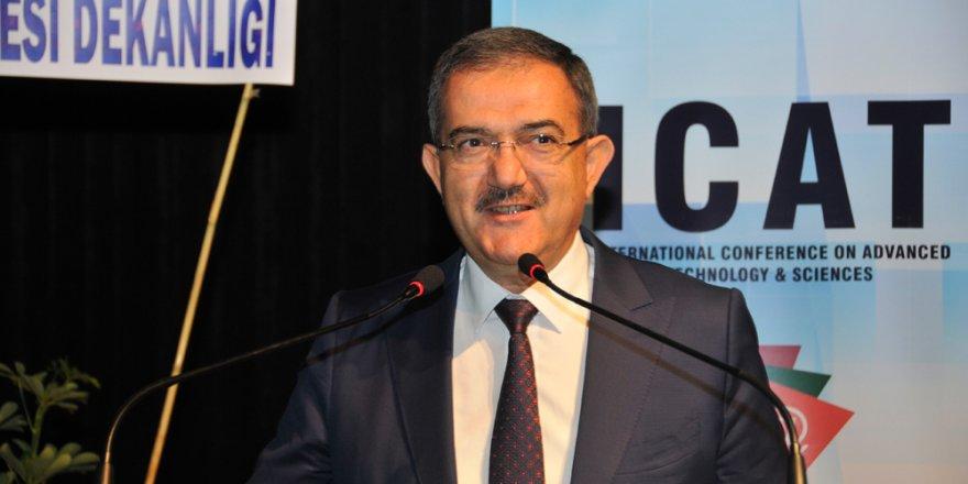 """""""Tarih Türkiye Cumhuriyeti'nin etrafında şekillenecek"""""""