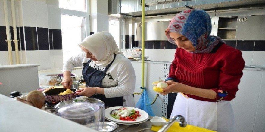 Başkent'te ev hanımları marifetlerini göstermek için yarıştı