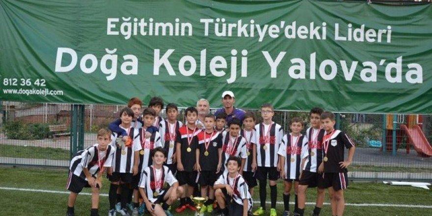 Doğa Okulları'ndan Zafer Kupası