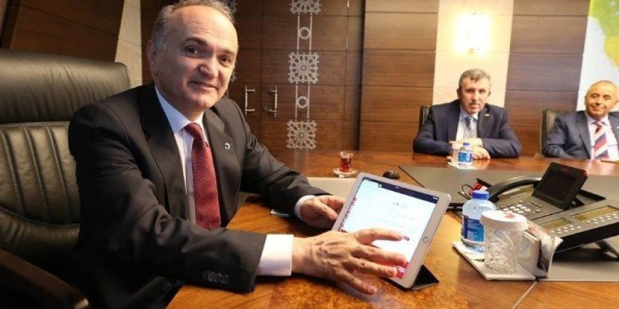 Bakan Özlü kurban vekaletini Kızılay'a verdi