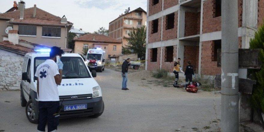 Eşme'de bir erkek cesedi bulundu