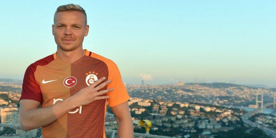 Galatasaray'a yeni transferden kötü haber!