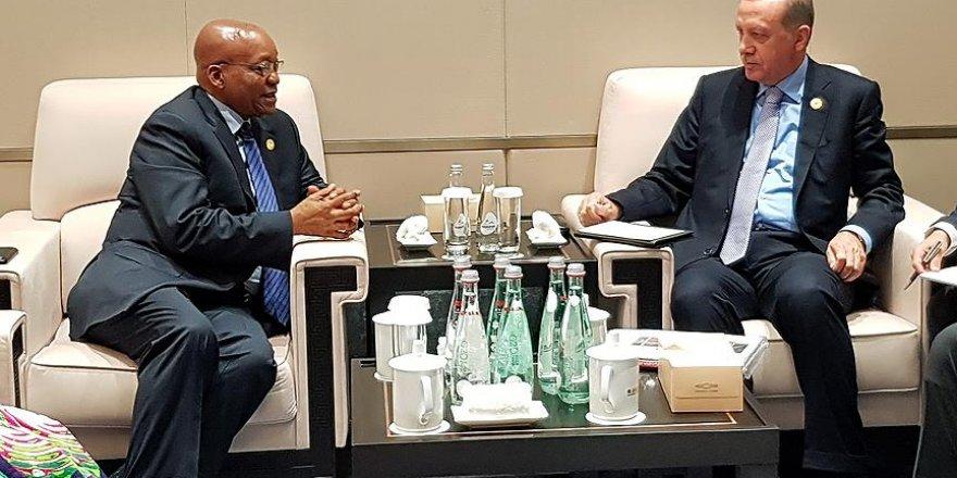 Erdoğan, Zuma ile bir araya geldi