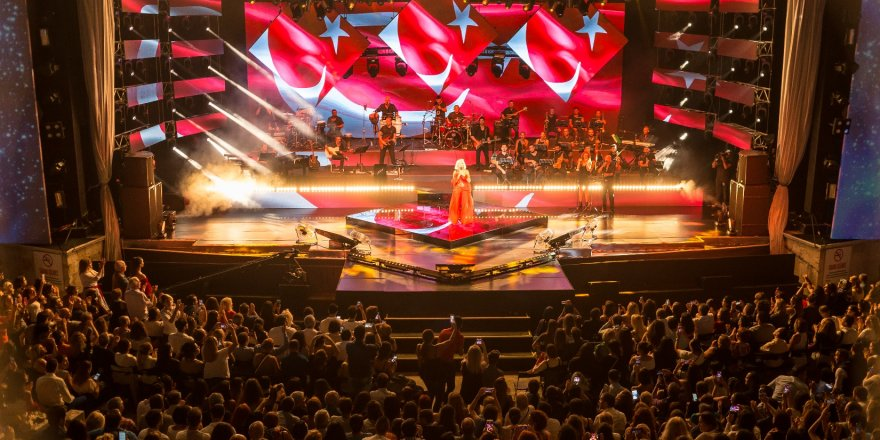 """""""Turkcell Yıldızlı Geceler""""i 1 milyondan fazla kişi izledi"""