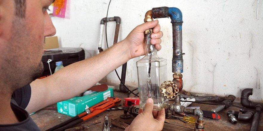 Atık boruları dekoratif süs eşyasına dönüştürüyor