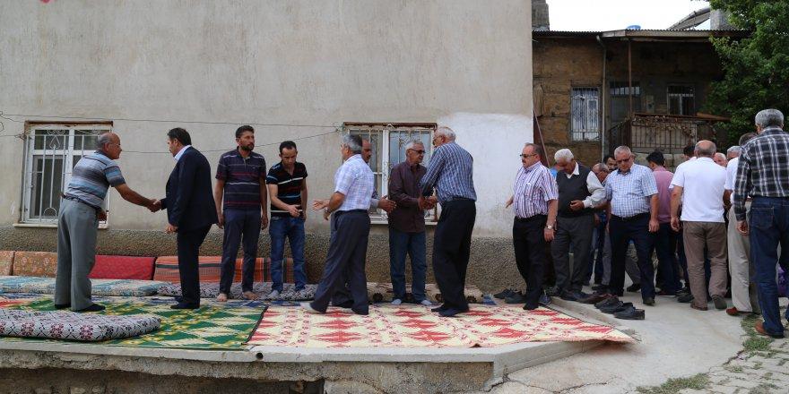 Hadimioğlu ve meclis üyeleri taziye ziyaretinde