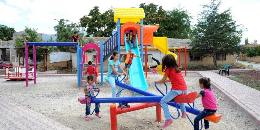 Büyükşehir'den 2 yılda 700 mahalle parkı