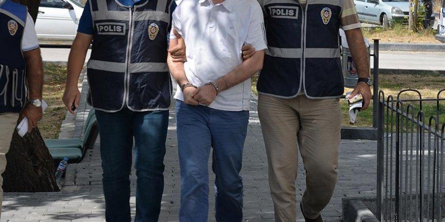 Eski AK Parti İlçe Başkanı ve MHP meclis üyesi FETÖ'den gözaltına alındı