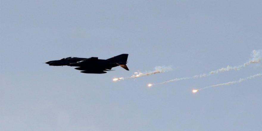 Yemen'de El Kaide'ye hava harekatı: 13 ölü