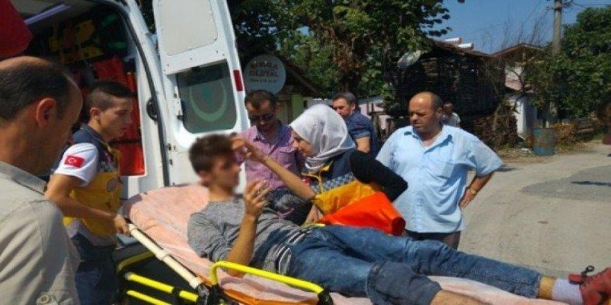 Kamyona çarpan motosiklet sürücüsü yaralandı