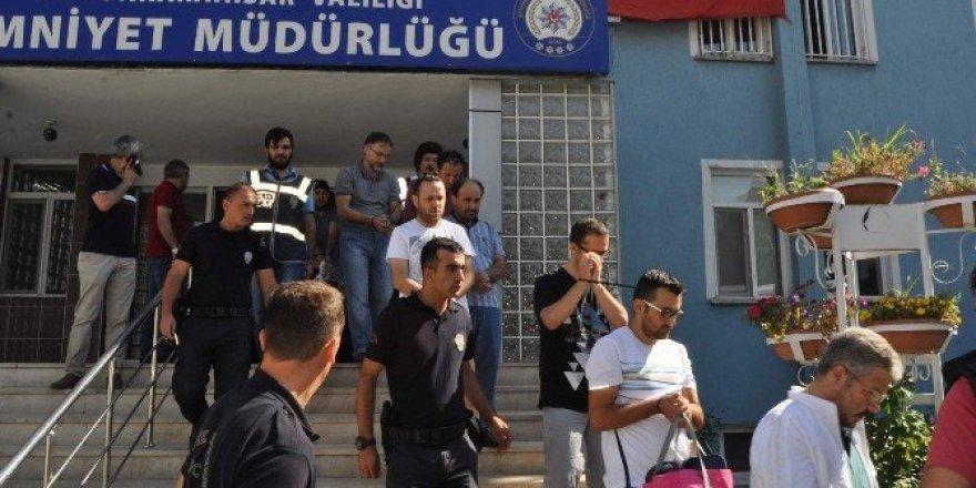Afyonkarahisar'da sağlıkçılara FETÖ operasyonu: 25 gözaltı
