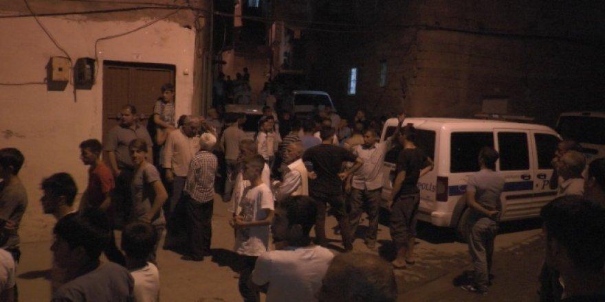 Suriyelilerin kaldığı mahalle karıştı: 3 yaralı