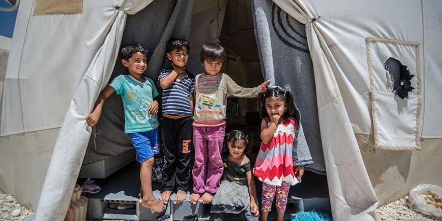 AB Türkiye'deki sığınmacılara harcama kartı dağıtacak