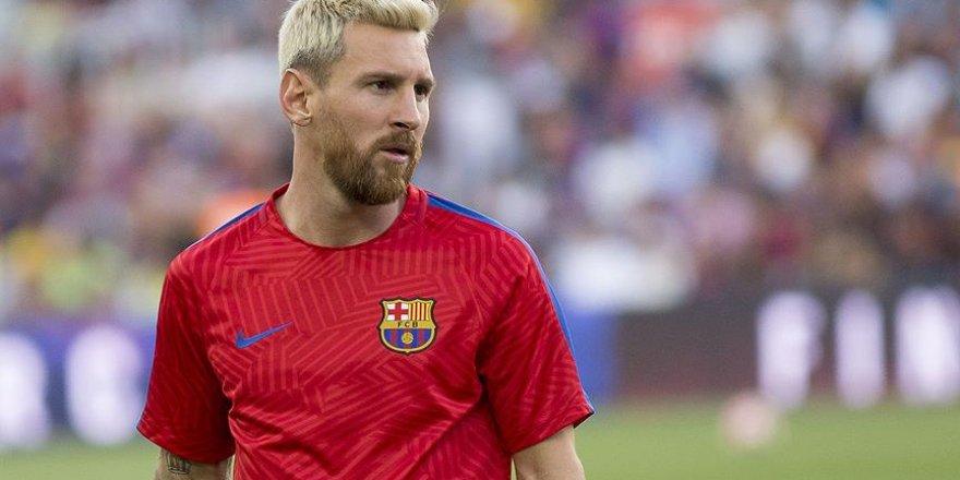 Messi'den sığınmacılara destek