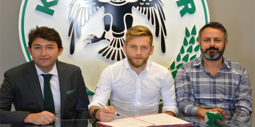 Konyaspor, Halil İbrahim Sönmez'in sözleşmesini 2 yıl uzattı