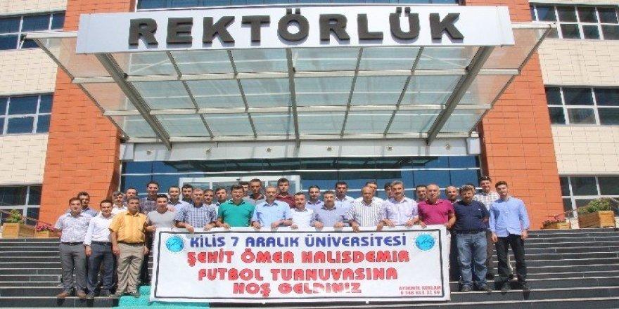Üniversite'de Şehit Ömer Halisdemir anısına futbol turnuvası düzenledi