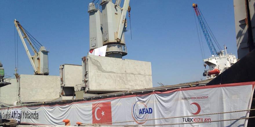 Açlık çeken Afrika ülkelerine Türkiye'den insani yardım