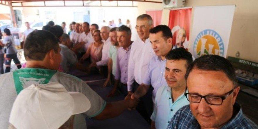 Mezitli Belediyesi personeli, son iş gününde bayramlaştı