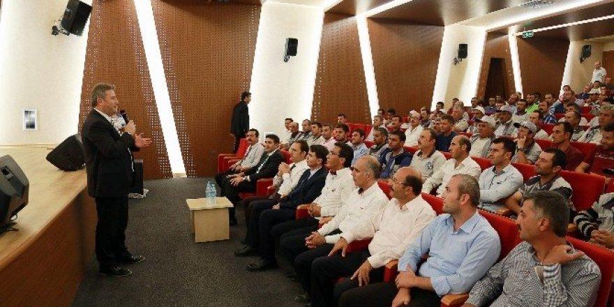 Başkan Palancıoğlu, personel ile bayramlaştı