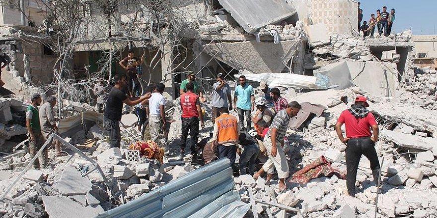 Suriye rejimi Halep'i vurdu: 24 ölü