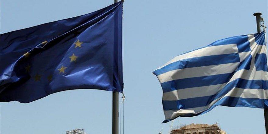 AB'den Yunanistan'a sığınmacı yardımı