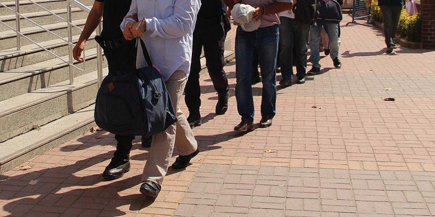 Manisa'daki FETÖ/PDY soruşturması 6 tutuklama