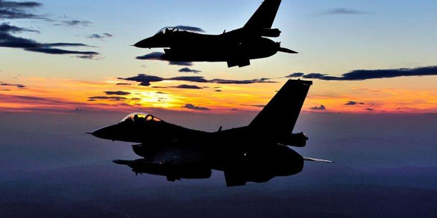 Türk jetleri Suriye'de DAEŞ hedeflerini vurdu: 20 terörist...