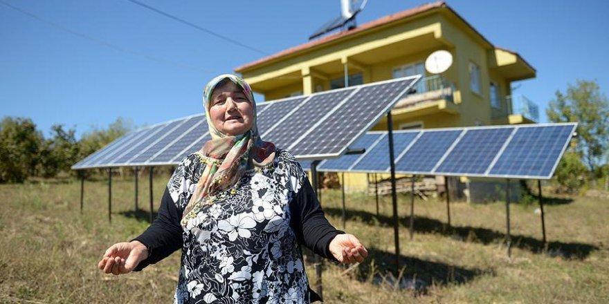 'Kezban ana' evini güneşten aydınlatıyor