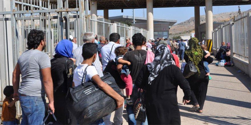 Bayramlaşmak için 35 bin kişi Suriye'ye gitti