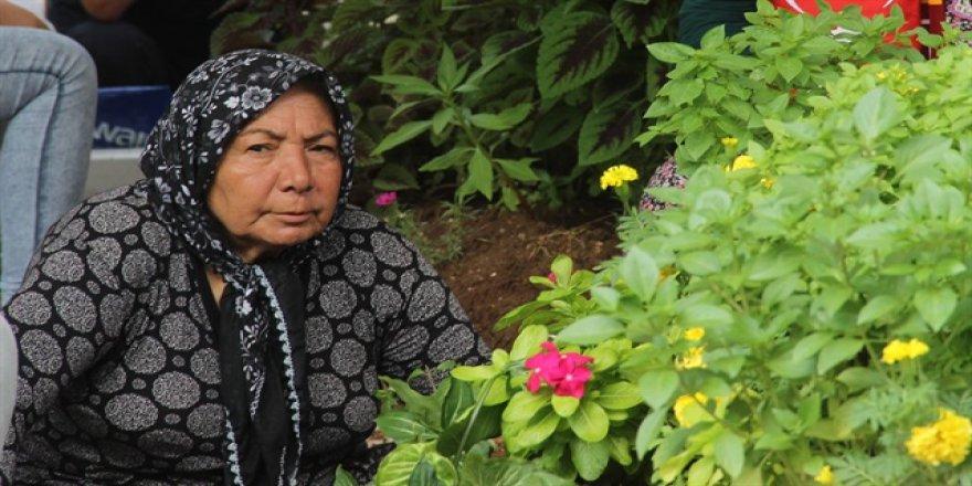 Şehit annesi: 100 yıl geçse de bu acı bitmez