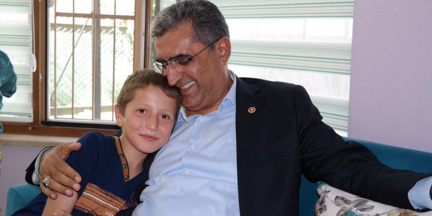 Recep Konuk Karamanlılarla bayramlaştı